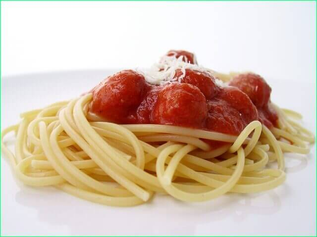 tefteli-so-spagetti