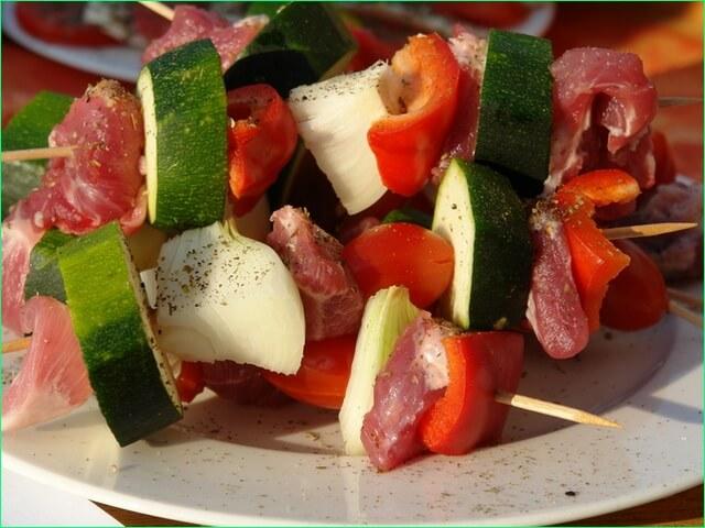 Готовим шашлык с овощами